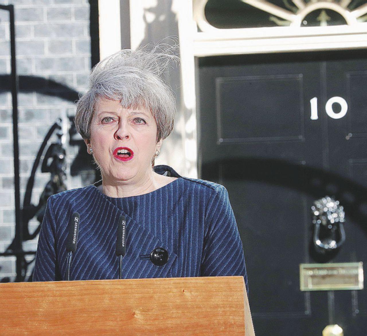 """May giugno che mai. La scelta di Theresa: """"Uniti per la Brexit"""""""