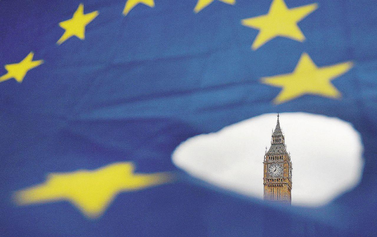 Viva, morta o X: i 158 giorni che sconvolgeranno l'Europa