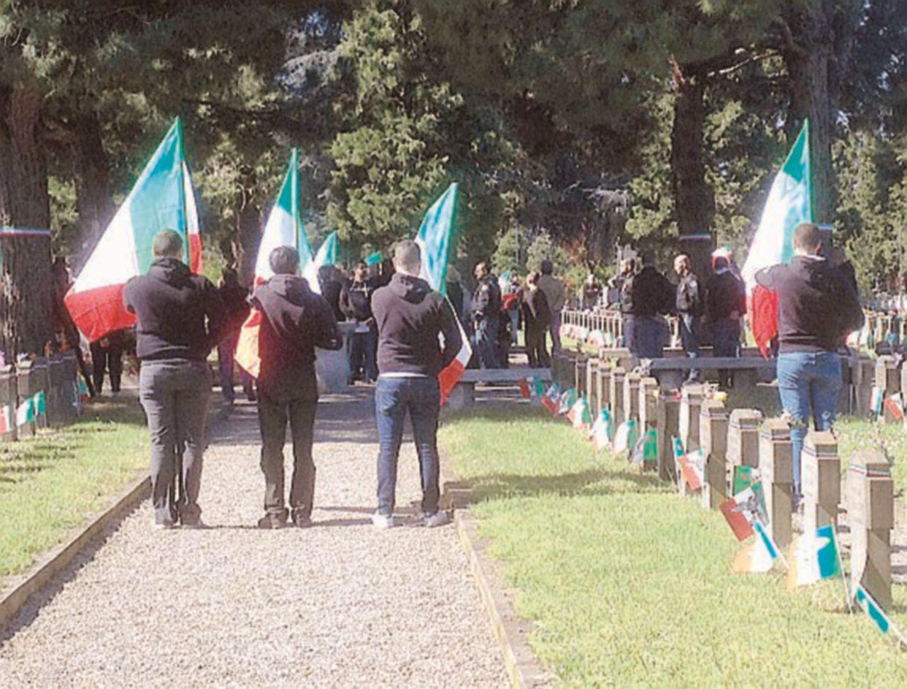 """La festa di Milano: no alla parata """"nera"""", Brigata ebraica alla manifestazione"""