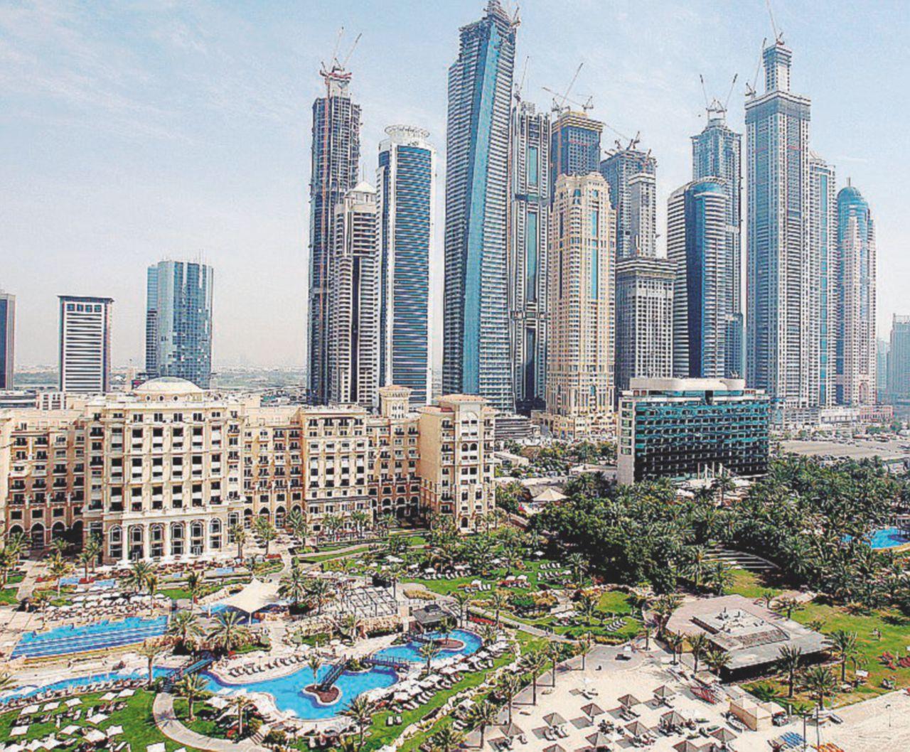 """Il sospetto dei """"viaggi premio a Dubai"""" nelle carte sulla truffa dei colonnelli"""