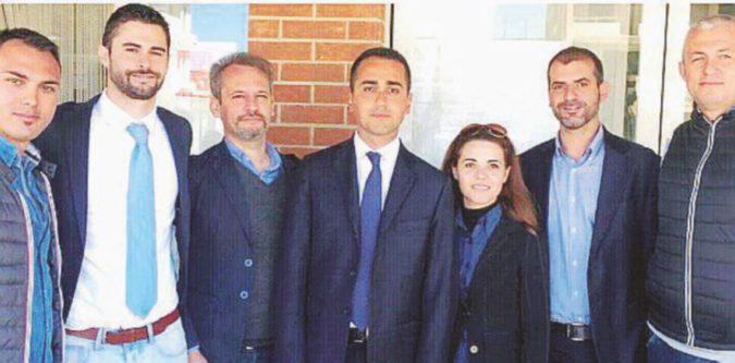 """Di Maio acclamato dalla famiglia di un boss. E il Pd attacca: """"Inaudito"""""""