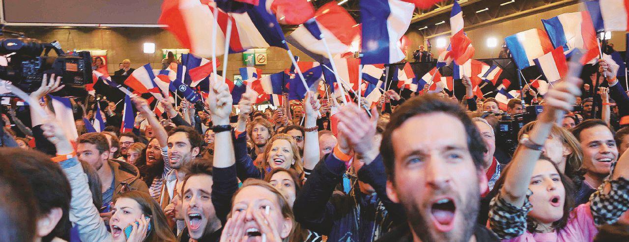 Onda Macron sul ballottaggio. Le Pen resta sola contro tutti