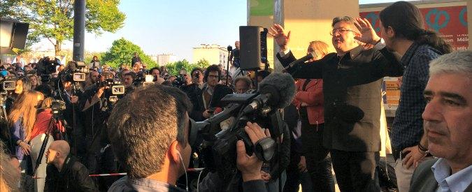 """Parigi, il comizio di Jean-Luc Mélenchon sfida il silenzio per attentato. I suoi: """"Resistiamo a strategia paura"""""""