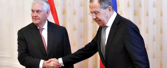 """Usa-Russia, prove di disgelo. Tillerson: """"Rapporti ai minimi, manca fiducia"""". Lavrov: """"Divergenze non incolmabili"""""""