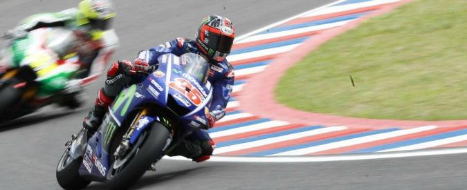 MotoGp Argentina, Marquez finisce subito fuori: primo Viñales, Rossi secondo