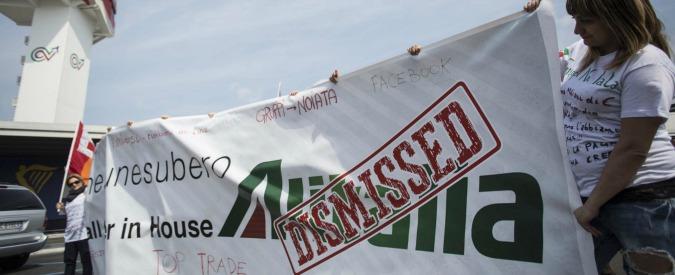 Alitalia, la leggenda dei dipendenti privilegiati: per le hostess 2mila euro al mese. E i giovani piloti non hanno benefit