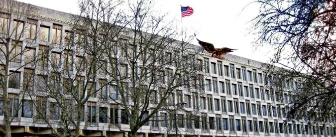 """Gran Bretagna, """"terrorista"""" di tre mesi trattenuto in ambasciata Usa per un errore del nonno"""