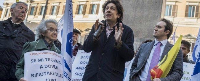 """Dj Fabo, imputazione coatta per Cappato: andrà a processo. Il gip: """"Non l'ha solo aiutato, ha rafforzato la sua volontà"""""""