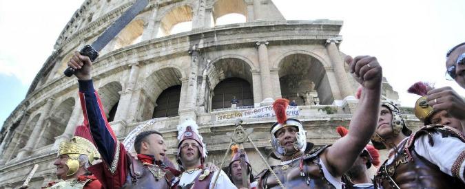 """Roma, il Tar annulla l'ordinanza della sindaca Raggi contro i """"centurioni"""": """"Non si può trattare come un'emergenza"""""""