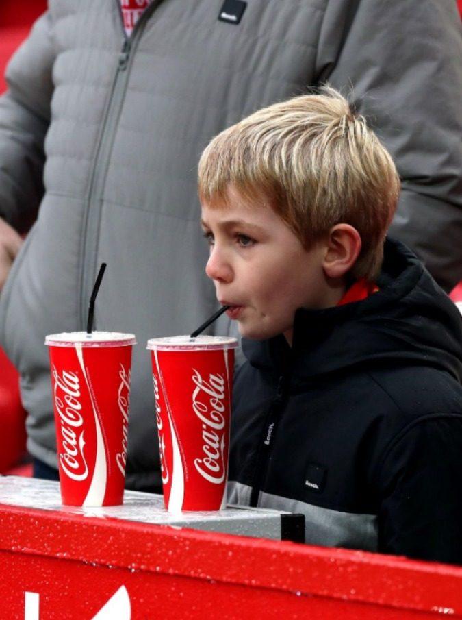 Report vs Coca Cola, su Facebook un nuovo match: 1-0 per il programma di RaiTre. E in redazione si respira aria di vittoria