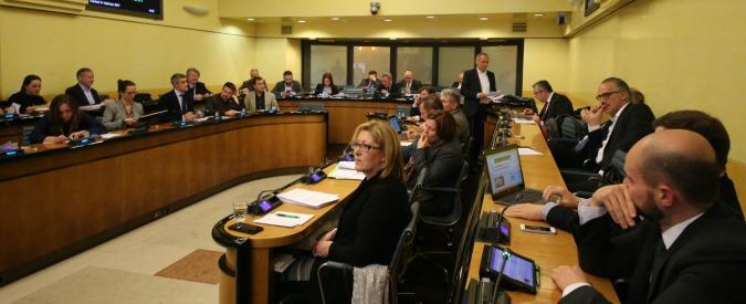 Vitalizi, 60 ex consiglieri del Veneto fanno ricorso contro Consiglio di Stato che ha confermato i mini tagli