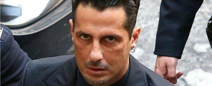 """Fabrizio Corona: """"Penso che bomba carta sotto casa mia sia stata messa da fidanzato Moric"""""""
