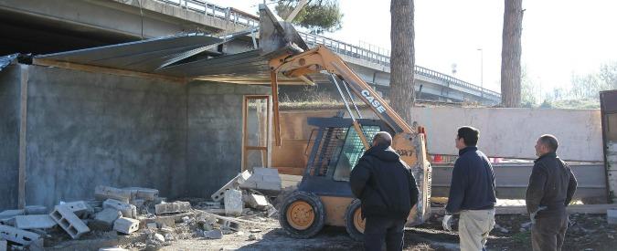 """Abusi edilizi, il pm: """"Con la nuova legge resta tutto come prima. Demolizioni ferme perché i Comuni non pagano"""""""