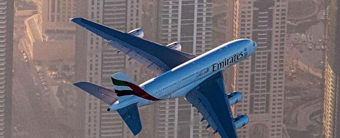 """Venezia, chiede i danni alla Emirates perché il vicino è troppo grasso. Ma perde: """"Fastidio non è risarcibile"""""""