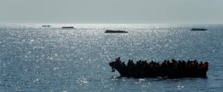 """Migranti, arrestati trafficanti a Bari, Salerno e Catania: """"Contatti con filo jihadisti"""". Indagato dipendente comunale"""