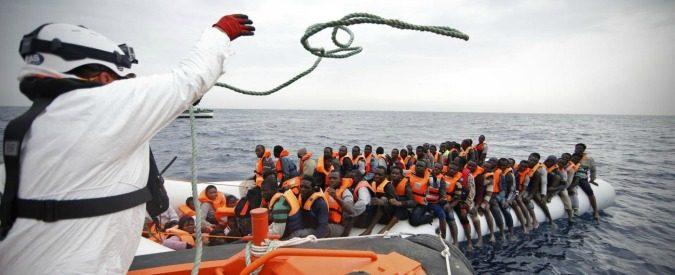 Migranti, una soluzione per chi dubita del lavoro delle ong