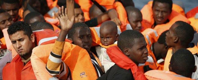 Migranti, Parlamento Ue: 'Prendere le impronte anche ai minori dai 6 anni in su'