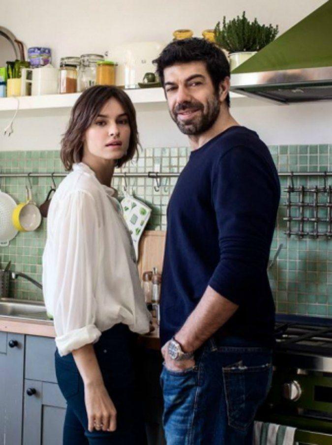 Pierfrancesco Favino e Kasia Smutniak diventano Moglie e marito, commedia degli equivoci in sala dal 12 aprile