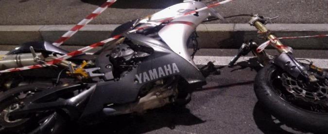 Torino, motocicletta investe e uccide pedone. Morti anche i due passeggeri
