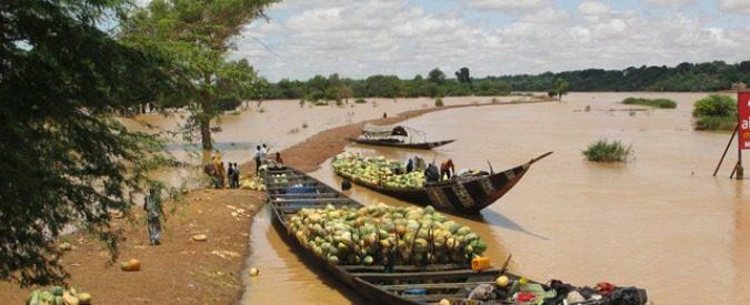 Niger, a Niamey fioccano i ponti. Resta solo da costruire quello tra ricchi e poveri