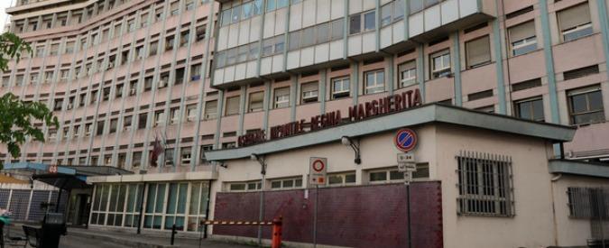 Torino, due portinai dell'ospedale infantile sorpresi a rubare i giochi dei bambini e a fumare marijuana