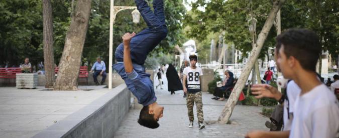 """Torino, 16enne cade da un tetto alto dieci metri mentre fa parkour. """"Non è in pericolo di vita"""""""