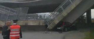 Cuneo, cavalcavia della tangenziale di Fossano crolla su auto dei carabinieri. Illesi i militari