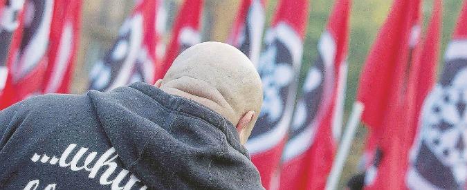 """Milano, il 25 aprile la parata nera per i morti di Salò. Anpi: """"Oltraggio alla storia"""".  Sala: """"Non possiamo impedirla"""""""
