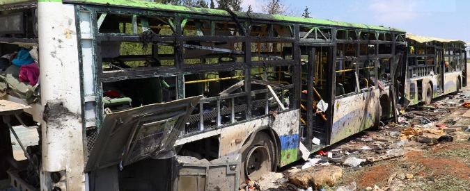 """Siria, ong: """"Tra le vittime 68 bambini e 13 donne"""". Papa Francesco: """"Attacco ignobile"""""""