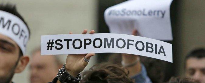 """Giornata internazionale contro omofobia, gli attivisti: """"Politica non ha fatto niente. C'è rischio peggiori se governo Lega-M5s"""""""