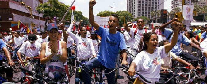 """Venezuela, 32 morti nelle proteste contro Maduro. Parlamento Ue: """"Repressione brutale, elezioni prima possibile"""""""