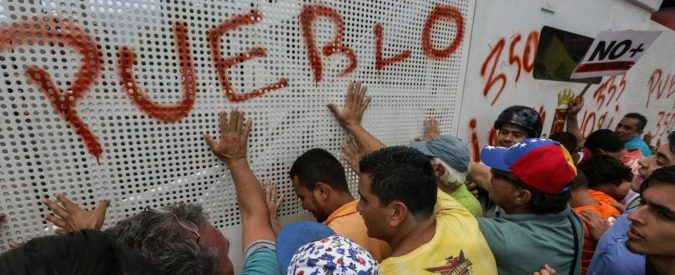 Venezuela, golpisti in retromarcia. Ma la toppa è peggio dello strappo