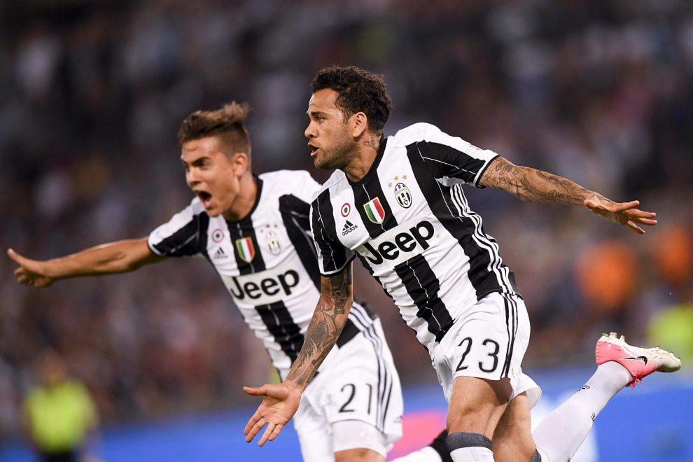 aa0918e358 Juventus – Lazio 2 a 0: Alves e Bonucci per il primo titolo della stagione.  I bianconeri vincono la terza Coppa Italia di fila