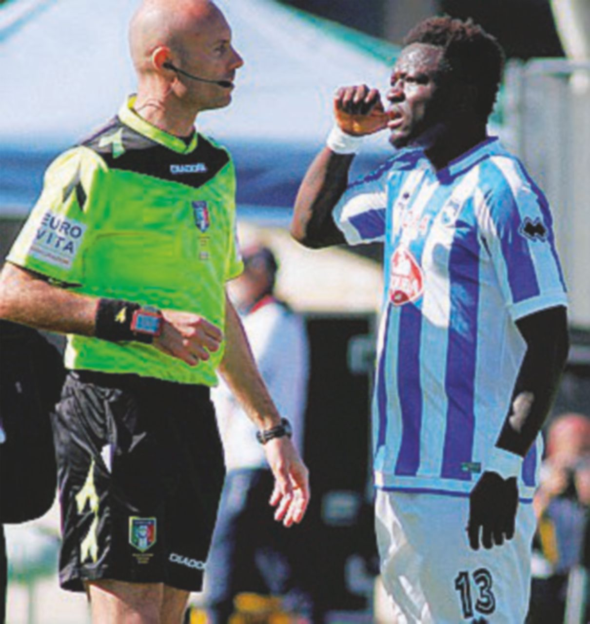 I buuu a Muntari: non è solo calcio