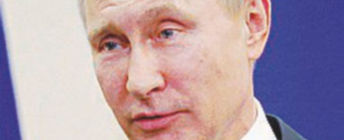 """Ai russi piace la """"zarina francese"""" più di Putin"""