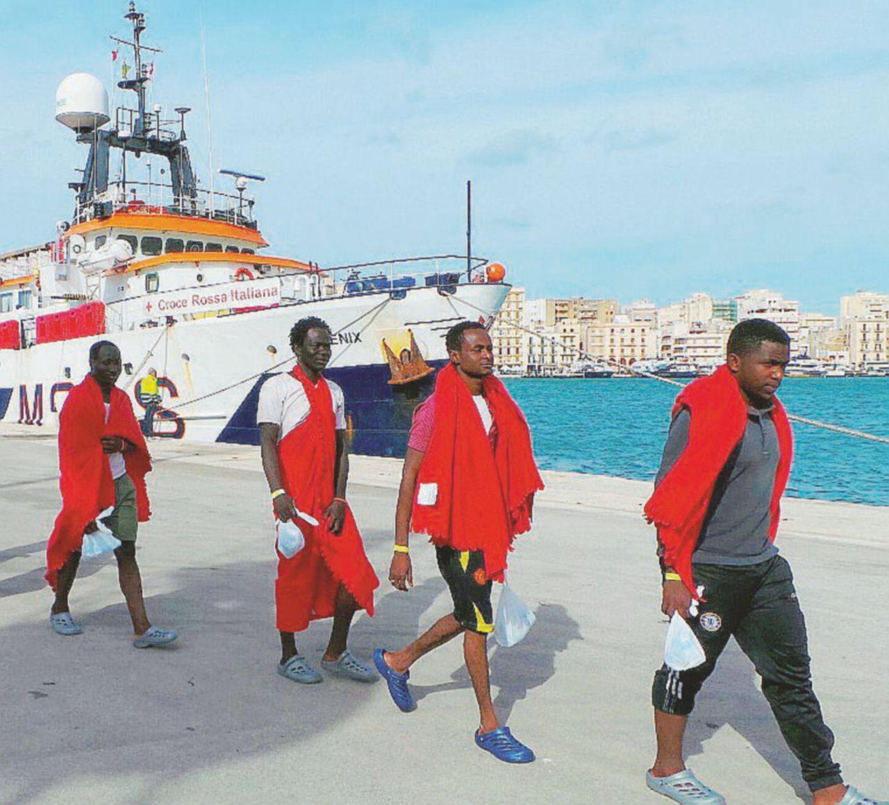 """Migranti, a Trapani una Ong è sotto inchiesta: """"Agiva senza Sos"""""""