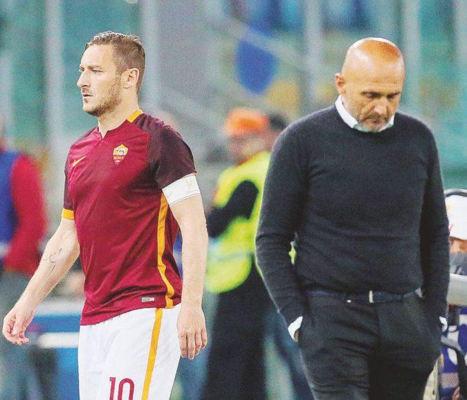 Spalletti e l'onore negato a Totti: il logorio del romanista moderno