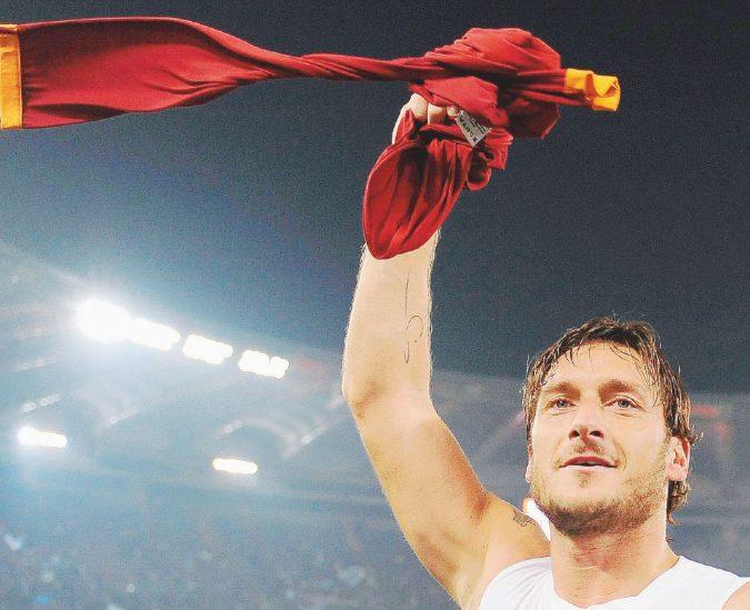 Da Maradona a Totti: storie di bandiere ripiegate male