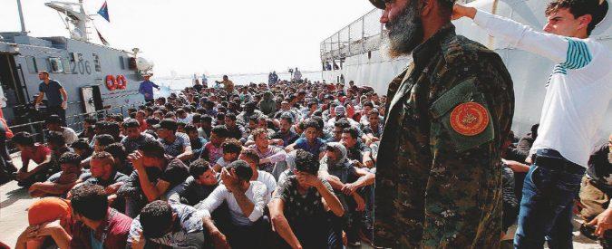"""La battaglia navale anti-Ong della """"Marina del Viminale"""""""