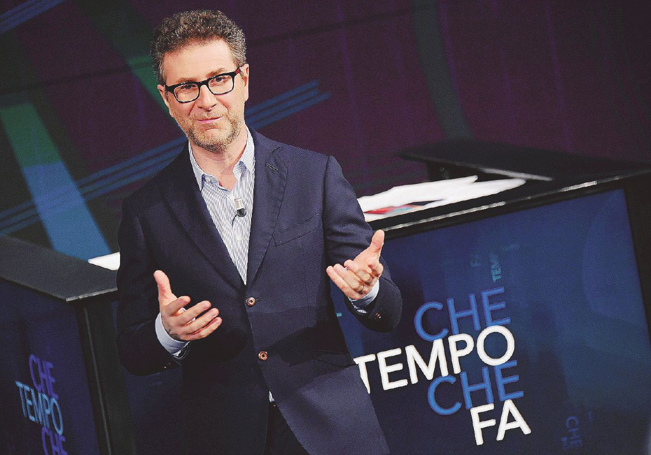 La politica paralizza la Rai, Mediaset compra in saldo