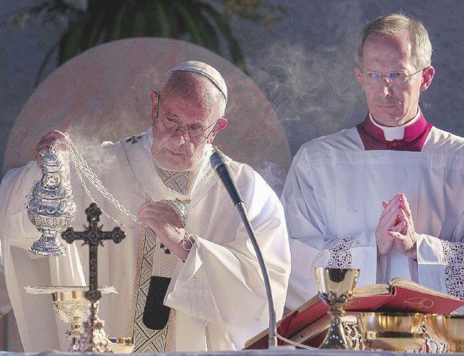 I vescovi accontentano il Papa Bassetti il più votato dalla Cei