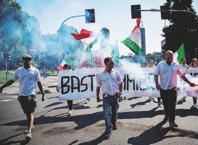 Milano, flop dei fascisti contro gli immigrati