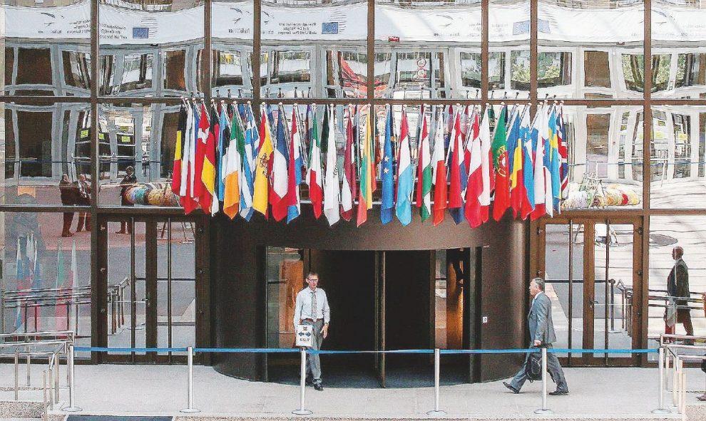L'ingresso della sede dell'Europarlamento a Bruxelles