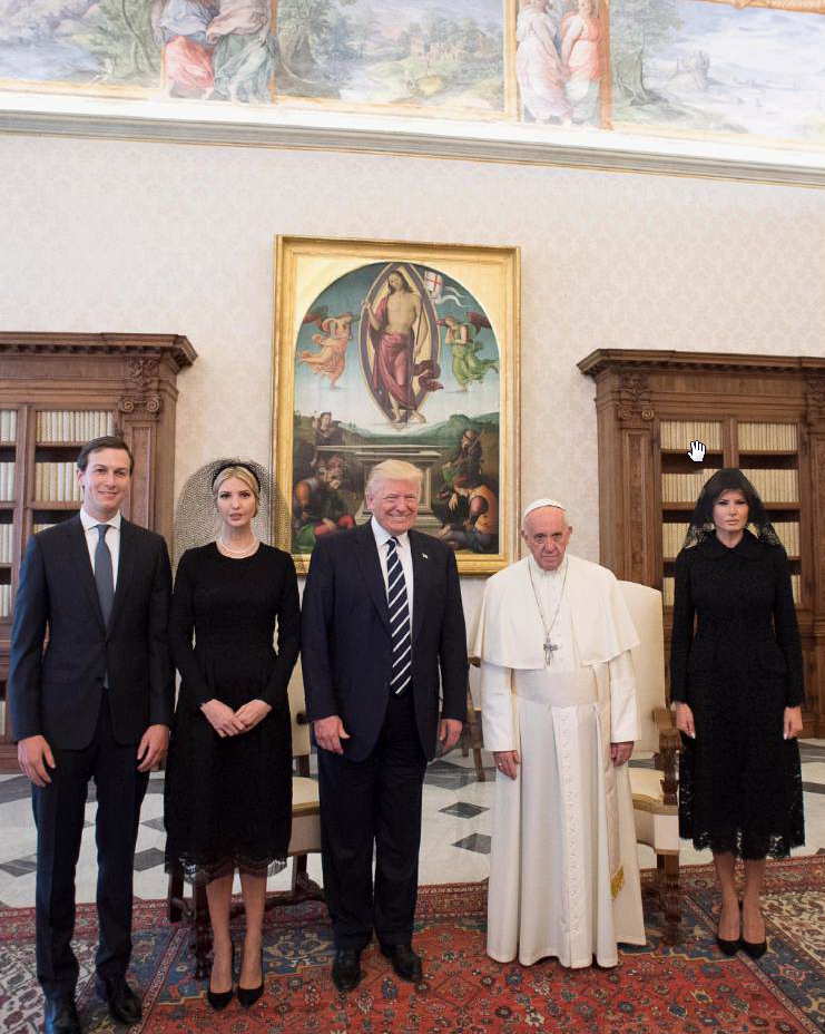Melania Trump in udienza dal Papa