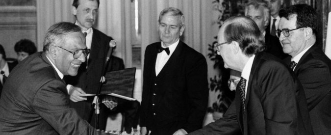 """Alberto La Volpe, morto l'ex direttore Tg2. Con Falcone creò """"Lezioni di Mafia"""""""