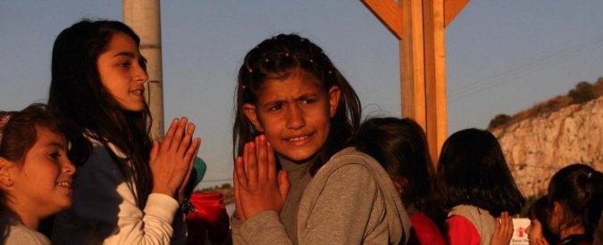"""Migranti, Unicef: """"75.000 bloccati fra Grecia e Balcani. E un terzo sono bambini"""""""