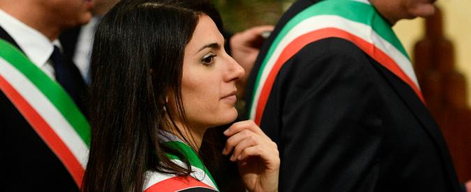 """Roma, M5s: """"Nel primo anno costi tagliati: -84% rispetto ad Alemanno e -72% di Marino"""""""