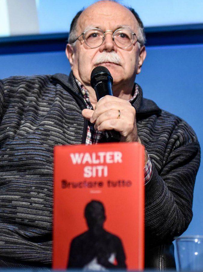 """Bruciare tutto, il libro """"disperato"""" di Walter Siti su un prete pedofilo messo in ombra dalle polemiche"""