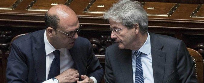 """Ius soli, Gentiloni: """"Difficoltà nella maggioranza. Non ci sarà l'ok entro l'estate"""". Alfano: """"Apprezziamo molto"""""""