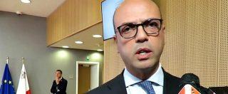"""Ndrangheta, Alfano: """"Dimissioni? Non mi curo del Movimento 5 stelle. Faccio migliaia di foto, non è reato"""""""